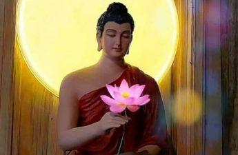 Phật cầm hoa sen