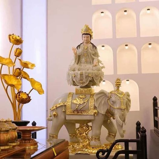 Tượng Bồ Tát Phổ Hiền cưỡi voi trắng