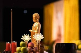 Bàn thờ Phật - Tâm địa xấu ác, không thể vãng sanh