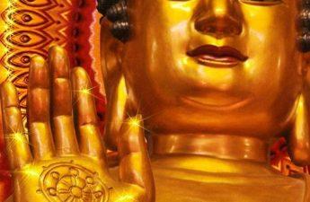 Bánh xe Pháp trên tay Đức Phật